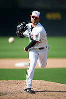 Bowie Baysox relief pitcher Donnie Hart (32) during the second game of a doubleheader against the Akron RubberDucks on June 5, 2016 at Prince George's Stadium in Bowie, Maryland.  Bowie defeated Akron 12-7.  (Mike Janes/Four Seam Images)