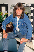 Mar 11, 1988: AC/DC - Photosession backstage - Wembley Arena London