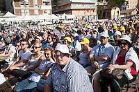 Campobasso 05/07/2014: Papa Francesco Bergoglio visita il Molise. Nella foto durante la visita a Campobasso.<br /> <br /> Campobasso (Molise) Italy: Pope Francis visits the small region of Italy. In the picture during the visit to Campobasso