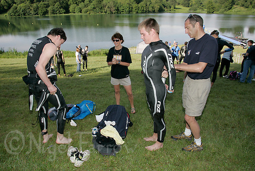 03 JUN 2007 - BLENHEIM PALACE, UK - David and Tom Bishop prepare for the start of their race - National Youth Triathlon Championships. (PHOTO (C) NIGEL FARROW)