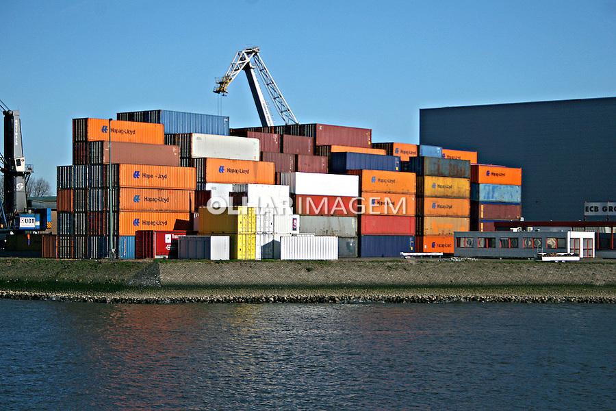 Containers no porto de Roterdam. Holanda. 2007. Foto de Marcio Nel Cimatti.
