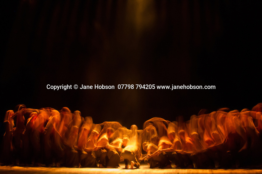 London, UK. 01.04.2014. English National Ballet, in LEST WE FORGET, at the Barbican. Picture shows: DUST, choreographed by Akram Khan, with Akram Khan and Tamara Rojo. Photograph © Jane Hobson.
