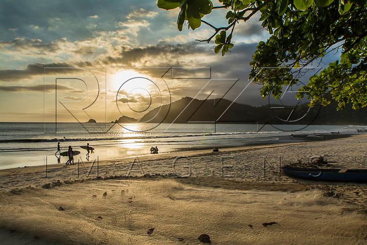 Pôr do sol na Praia do Sono, Paraty - RJ, 01/2016.