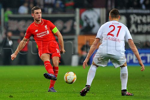18.02.2016. Augsburg, Germany. UEFA Europa League football. Augsburg versus Liverpool FC.  Jordan HENDERSON (FC Liverpool), Dominik KOHR (FC Augsburg)