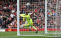 Arsenal's Olivier Giroud see his shot stopped by Bournemouth's Asmir Begovic<br /> <br /> Photographer Rob Newell/CameraSport<br /> <br /> The Premier League - Arsenal v AFC Bournemouth - Saturday 9th September 2017 - The Emirates - London<br /> <br /> World Copyright &copy; 2017 CameraSport. All rights reserved. 43 Linden Ave. Countesthorpe. Leicester. England. LE8 5PG - Tel: +44 (0) 116 277 4147 - admin@camerasport.com - www.camerasport.com