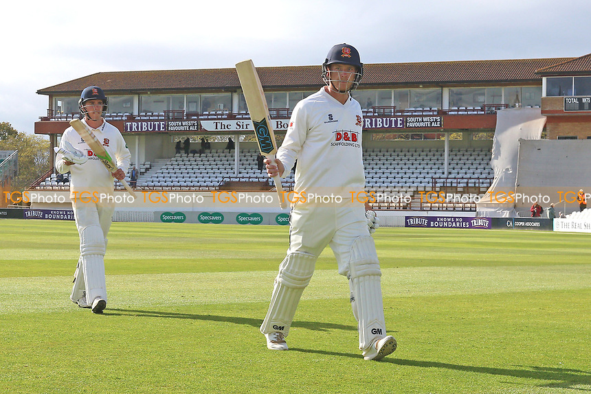 Tom Westley acknowledges the crowd after scoring the winning runs for Essex during Somerset CCC vs Essex CCC, Specsavers County Championship Division 1 Cricket at The Cooper Associates County Ground on 16th April 2017