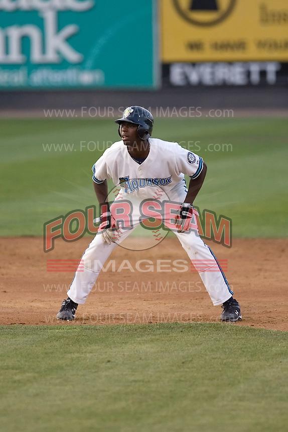 August 4, 2009: Everett AquaSox first baseman James Jones during a Northwest League game against the Boise Hawks at Everett Memorial Stadium in Everett, Washington.