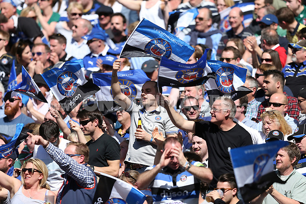 Bath Rugby supporters celebrate a try. The Clash, Aviva Premiership match, between Bath Rugby and Leicester Tigers on April 8, 2017 at Twickenham Stadium in London, England. Photo by: Rogan Thomson / JMP for Onside Images