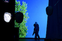 """BOGOTÁ-COLOMBIA-15-04-2014. Ensayo de la obra """"Sombras"""" en el género Teatro Contemporáneo de la Compañía Utvalgte Collective de Noruega, realizado en el auditorio del Gimnasio Moderno de Bogotá y que forma parte de la programación del XIV Festival Iberoamericano de Teatro de Bogotá 2014./  Reherseal of the Play """"Sombras"""" gender Contemporary theater of the company Utvalgte Collective, Norway, performed at Gimnasio Moderno auditorium of Bogota as a part of  schedule of the XIV Ibero-American Theater Festival of Bogota 2014.  Photo: VizzorImage/ Gabriel Aponte /Staff"""