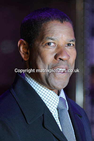 NON EXCLUSIVE PICTURE: PAUL TREADWAY / MATRIXPICTURES.CO.UK.PLEASE CREDIT ALL USES..WORLD RIGHTS..American actor Denzel Washington attending the UK film premiere of Flight, at Empire Leicester Square, London...JANUARY 17th 2013..REF: PTY 13311