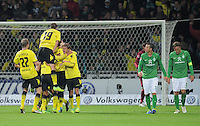 FUSSBALL   1. BUNDESLIGA   SAISON 2011/2012    9. SPIELTAG  14.10.2011 SV Werder Bremen - Borussia Dortmund                  Enttaeuschung SV Werder; Clemens Fritz (re) mit Lukas Schmitz  und JUBEL Dortmund (li)