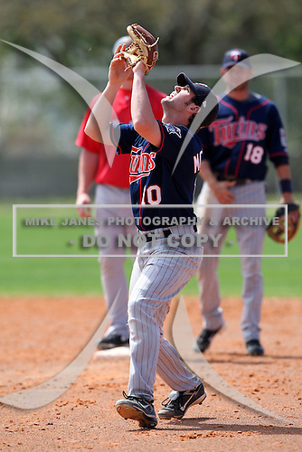 March 18, 2010:  Second Baseman Derek McCallum (10) of the Minnesota Twins organization during Spring Training at the Ft. Myers Training Complex in Ft. Myers, FL.  Photo By Mike Janes/Four Seam Images