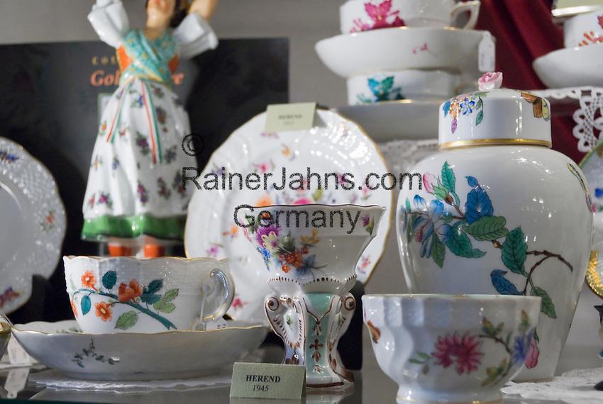 HUN, Ungarn, Budapest, Kaffeeservice, Herend Porzellan aus Ungarns groesster und aeltester Porzellanmanufaktur | HUN, Hungary, Budapest, Herend porcelain from Hungary's oldest and biggest porcelain manufacturing