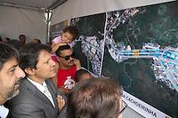 SAO PAULO, SP - 12.11.2014 - FERNANDO HADDAD M' BOI MIRIM - O Prefeito Fernando Haddad inaugura a segunda parte das obras da Ponte M'Boi Mirim na manhã desta quarta-feira (12). A Obra fica na altura do 9 mil da Est. do M'Boi Mirim, a ponte também é conhecida como Pte. do capela na altura do Parque do Lago.<br /> <br /> <br /> (Foto: Fabricio Bomjardim / Brazil Photo Press)
