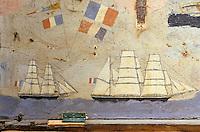 Europe/France/Bretagne/29/Finistère/Ile d'Ouessant/Ecomusée de Niou: Maison des techniques et traditons ouessantines Coffre de mer décoré représentant des navires au large de l'Ile - 1870