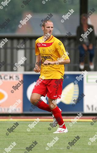 2010-08-01 / Seizoen 2010-2011 / Voetbal / Duffel / Anthony Dooms..Foto: mpics