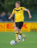 Fussball, 2. Bundesliga, Saison 2011/12, Testspiel SG Dynamo Dresden - Slovan Liberec, Pirna. Dresdens Sebastian Schuppan am Ball.