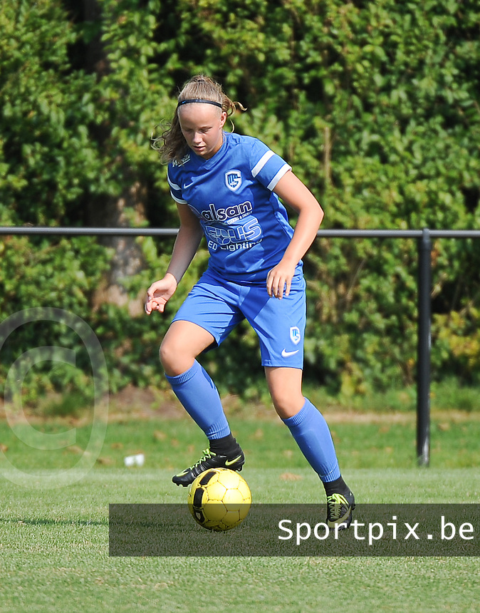 20160827 - ZWEVEZELE , BELGIUM : Genk's Jill Verelst pictured during the soccer match  in the 2nd round of the  Belgian cup 2017 , a soccer women game between SK Voorwaarts Zwevezele and RC Genk Ladies  , in Zwevezele , saturday 27 th August 2016 . PHOTO SPORTPIX.BE / DIRK VUYLSTEKE