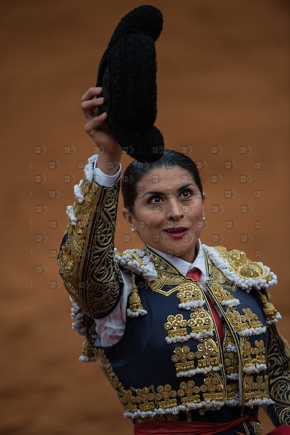 CIUDAD DE MEXICO, D.F. 28 Diciembre.- La torera Lupita López durante la decima corrida en la Plaza México de la Ciudad de México, 28 de diciembre de 2014.  FOTO: ALEJANDRO MELENDEZ