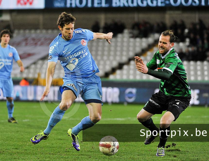 Cercle Brugge - KV Kortrijk : duel tussen Thomas Matton (links) en Bart Buysse (rechts)<br /> foto VDB / Bart Vandenbroucke