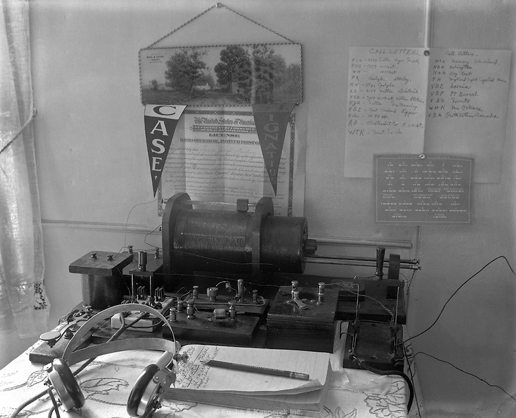 An early radio setup. Circa 1916.