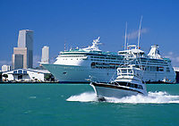 USA, Florida, Miami: Kreuzfahrtschiff | USA, Florida, Miami: cruise-ship