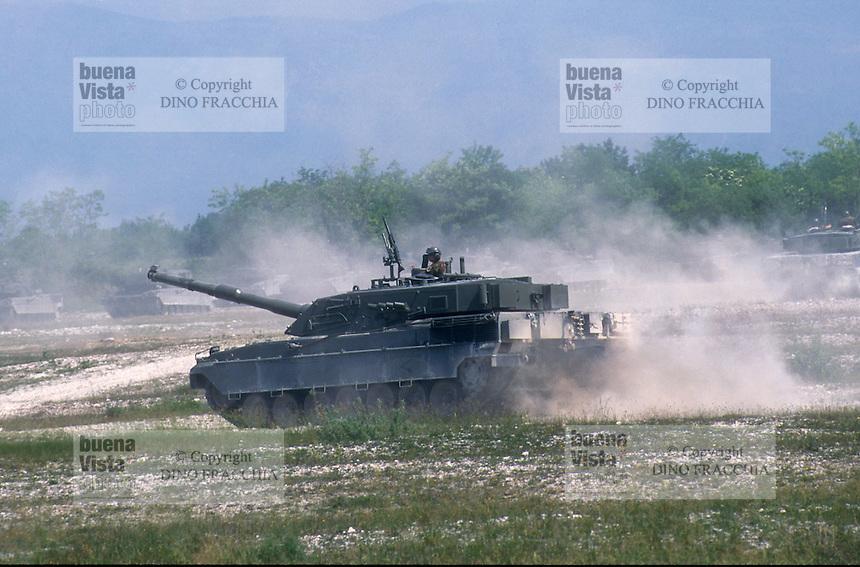 - Italian army, Ariete tank ....- esercito italiano, carro armato Ariete ..