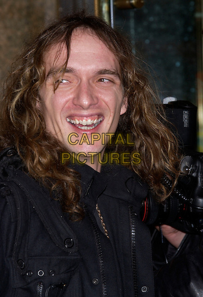 "JUSTIN HAWKINS (THE DARKNESS).""The Incredibles"" UK film premiere.Empire Leicester Square, London, November 7th 2004..Ref: PL.portrait headshot.www.capitalpictures.com.sales@capitalpictures.com.©Capital Pictures."