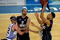 ZWOLLE - Basketbal, Landstede - Donar, Halve finale beker, seizoen 2017-2018, 18-02-2018, Donar speler Brandyn Curry legt aan voor schot Donar speler Drago Pasalic houdt Landstede speler Noah Dahlman tegen
