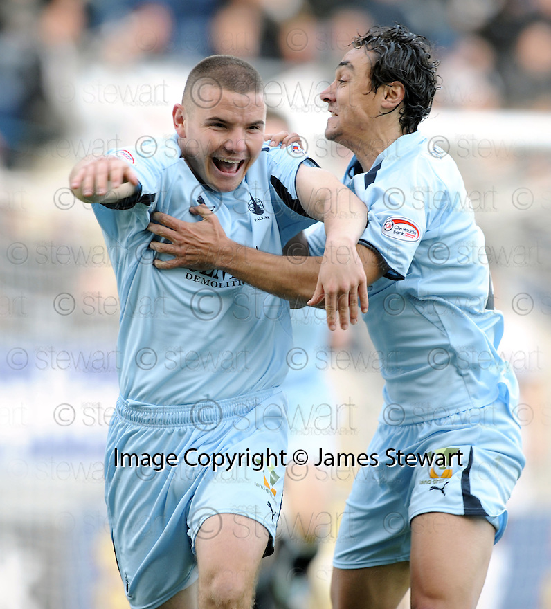 17/10/2009  Copyright  Pic : James Stewart.sct_jspa22_falkirk_v_st_mirren  . :: ALEX MACDONALD CELEBRATES AFTER HE HEADS IN FALKIRK'S GOAL :: .James Stewart Photography 19 Carronlea Drive, Falkirk. FK2 8DN      Vat Reg No. 607 6932 25.Telephone      : +44 (0)1324 570291 .Mobile              : +44 (0)7721 416997.E-mail  :  jim@jspa.co.uk.If you require further information then contact Jim Stewart on any of the numbers above.........