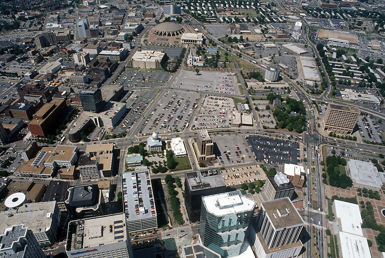 1994 June ..Redevelopment..Macarthur Center.Downtown North (R-8)..LOOKING NORTH WITH FINANCIAL CENTER IN FRONT...NEG#.NRHA#..