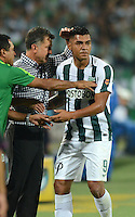 MEDELLIN - COLOMBIA -15 -03-2015: Jefferson Duque (Der.), jugador de Atletico Nacional, celebra con Juan C. Osorio (Cent.) tecnico el gol anotado al Deportivo Independiente Medellin, durante partido entre Atletico Nacional y Deportivo Independiente Medellin por la fecha 10 la Liga Aguila I 2015, jugado en el estadio Atanasio Girardot de la ciudad de Medellin.  / Jefferson Duque (R), player of Atletico Nacional celebrates with Juan C. Osorio (C) coach,  a scored goal to Deportivo Independiente Medellin during a match for the date 10 between Atletico Nacional and Deportivo Independiente Medellin the Liga Aguila I 2015 at the Atanasio Girardot stadium in Medellin city. Photo: VizzorImage. / Leon Monsalve / Str.