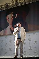 Dario Fo durante il suo intervento alla manifestazione organizzata da Libertà e Giustiza