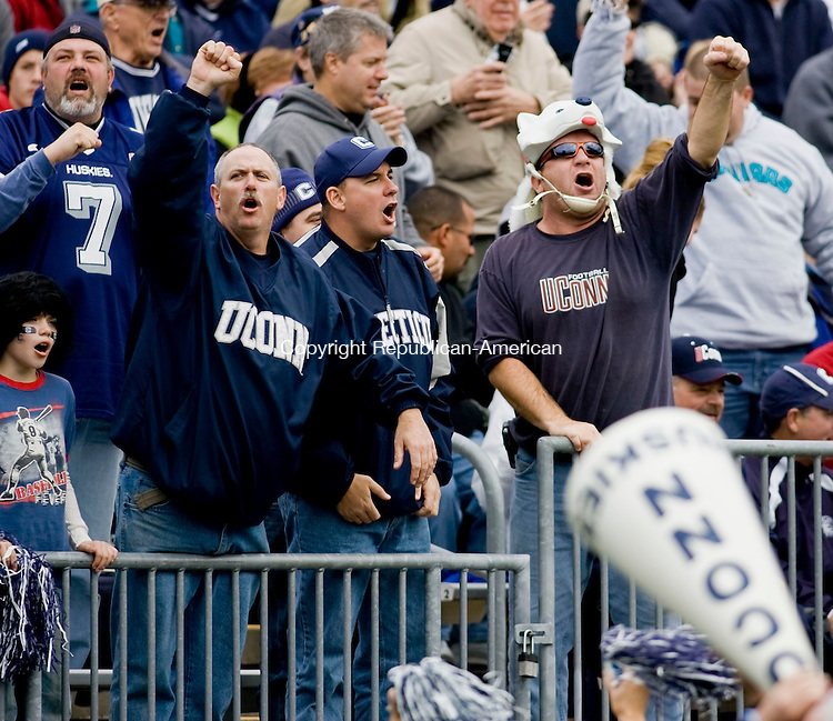 EAST HARTFORD, CT - 17 OCTOBER 2009 -101709JT17-<br /> UConn fans cheer during Saturday's sold-out game at Rentschler Field. UConn beat Louisville, 38-25.<br /> Josalee Thrift Republican-American