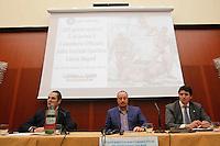 Rafael Benitez durante la conferenza stampa di presentazione del calendario del Napoli