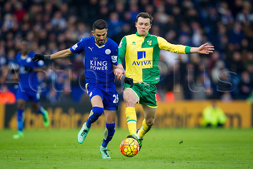 27.02.2016. King Power Stadium, Leicester, England. Barclays Premier League. Leicester City versus Norwich City. Riyad Mahrez of Leicester City holds off Jonny Howson of Norwich City.