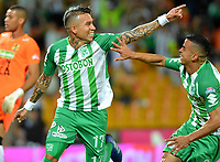 MEDELLÍN - COLOMBIA, 24-08-2018: Dayro Moreno (Izq.), jugador de Atlético Nacional celebra con Omar Duarte (Der.) compañero de equipo el gol anotado a Alianza Petrolera, durante partido de la fecha 6 entre Atlético Nacional y Alianza Petrolera, por la Liga Águila II 2018, jugado en el estadio Atanasio Girardot de la ciudad de Medellín. / Dayro Moreno (L), player of Atletico Nacional, celebrates with Omar Duarte (R) teamate the goal scored to Alianza Petrolera, during a match of the 6th date between Atletico Nacional and Alianza Petrolera for the Aguila League II 2018, played at Atanasio Girardot stadium in Medellin city. Photo: VizzorImage / León Monsalve / Cont.