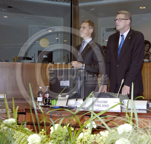 Brussels-Belgium - 19 June 2008---European Council, EU-summit towards the end of the Slovenian Presidency; here, Matti VANHANEN (ri), Prime Minister of Finland, with Alexander STUBB (le), Minister for Foreign Affairs of Finland---Photo: Horst Wagner / eup-images