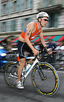 20 AUG 2005 - LAUSANNE, SUI - Sander Berk (NED) - Elite Mens European Triathlon Championships (PHOTO (C) NIGEL FARROW)