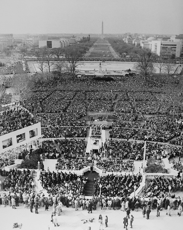 Crowd gathered on the Capitol Hill in 1981. (Photo by CQ Roll Call via Getty Images)