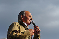 ATENCAO EDITOR FOTO EMBARGADA PARA VEICUO INTERNACIONAL - BUENOS AIRES, ARGENTINA, 25 DE SETEMBRO 2012 - Geronimo Momo Venegas durante a 39 º aniversário do assassinato de José Rucci, então secretário-geral da CGT (Confederação dos Sindicatos da Argentina), uma manifestação foi realizada em frente aos Tribunais Federais de Justiça ocorreu para exigir justiça. Rucci demanda da família do crime, um crime político, para ser considerado um crime contra a humanidade. FOTO: PATRICIO MURPHY - BRAZIL PHOTO PRESS.