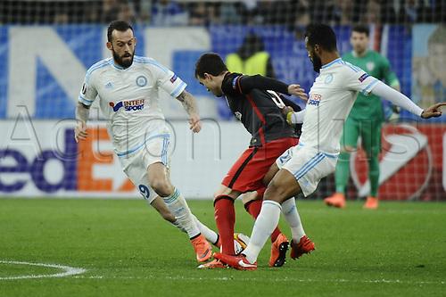 18.02.2016. Marseille, France. UEFA Europa league football. Marseille versus Athletic Bilbao.  Fletcher (OM) challenges  Javier Eraso (Bilbao)