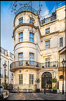 BNPS.co.uk (01202) 558833<br /> Pic :   Wetherell/BNPS<br /> <br /> Live like a Hollywood A-Lister...<br /> <br /> The former Mayfair home of actor Douglas Fairbanks Jr is up for grabs for just &pound;552,000 - but that will only buy the lucky resident a year in this prestigious property.<br /> <br /> Fairbanks, who has three stars on the Hollywood Walk of Fame, lived in the Park Lane apartment in the 1930s and 40s and welcomed famous guests including Laurence Olivier, Noel Coward, Rex Harrison and Cary Grant.<br /> <br /> The Hollywood star had the 14ft swimming pool installed on the lower ground floor and was known to have partied there with actress Gertrude Lawrence and the scandalised Duchess of Argyll.<br /> <br /> Now 99 Park Lane, an immaculate four-bedroom apartment overlooking Hyde Park, is available to rent furnished from estate agents Wetherell for &pound;11,500 a week.