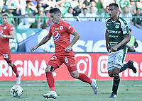 PALMIRA - COLOMBIA, 16-03-2019: Christian Rivera del Cali disputa el balón con Cristian Alvarez del America durante partido por la fecha 10 de la Liga Águila I 2019 entre Deportivo Cali y América de Cali jugado en el estadio Deportivo Cali de la ciudad de Palmira. / Christian Rivera of Cali vies for the ball with Cristian Alvarez of America during match for the date 10 as part Aguila League I 2019 between Deportivo Cali and America de Cali played at Deportivo Cali stadium in Palmira city.  Photo: VizzorImage / Gabriel Aponte / Staff