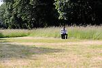 CENTRAL PARK<br /> <br /> Conception et interprétation : Julie Nioche et Alexandre Meyer<br /> Compagnie : A.I.M.E.<br /> Cadre : FESTIVAL DES FABRIQUES<br /> Lieu : Parc Jean-Jacques Rousseau<br /> Ville : Ermenonville<br /> Le 08/06/2013<br /> © Laurent Paillier / photosdedanse.com