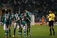 SAO PAULO, SP 30 JULHO 2013 -  - O jogador Alan Kardec do time do Palmeiras , comemora quarto gol da noite de hoje, 30, no Estádio do Pacaembú. FOTO: PAULO FISCHER/BRAZIL PHOTO PRESS