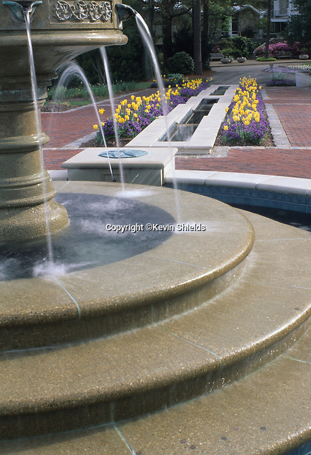 Fountain at the Norfolk Botanical Gardens, Norfolk, VA, USA