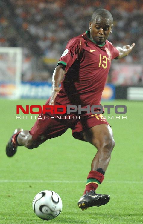 FIFA WM 2006 -  Round of Sixteen - / Viertelfinale <br /> Play     #52 (25-Jun) - Portugal vs Niederlande ( Holland ) <br /> <br /> Miguel POR)<br /> <br /> Foto &copy; nordphoto