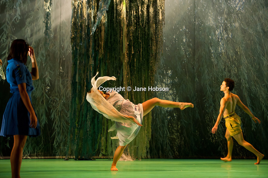 "London, UK. 15/11/2011. ""Seven for a Secret Never to be Told"" opens at Sadler's Wells. Dancers are: Eryck Brahmania, Atonette Dayrit, Julia Gillespie, Robin Gladwin, Dane Hurst, Vanessa Kang, Mbulelo Ndabeni, Pieter Symonds, Angela Towler, Stephen Wright. Picture shows: Antonette Dayrit, Vanessa Kang and Dane Hurst. Photo credit: Jane Hobson"