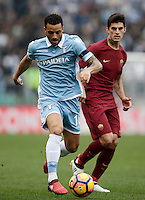 Calcio, Serie A: Lazio vs Roma. Roma, stadio Olimpico, 4 dicembre 2016.<br /> Lazio's Felipe Anderson, left, is chased by Roma&rsquo;s Diego Perotti during the Italian Serie A football match between Lazio and Rome at Rome's Olympic stadium, 4 December 2016. Roma won 2-0.<br /> UPDATE IMAGES PRESS/Isabella Bonotto
